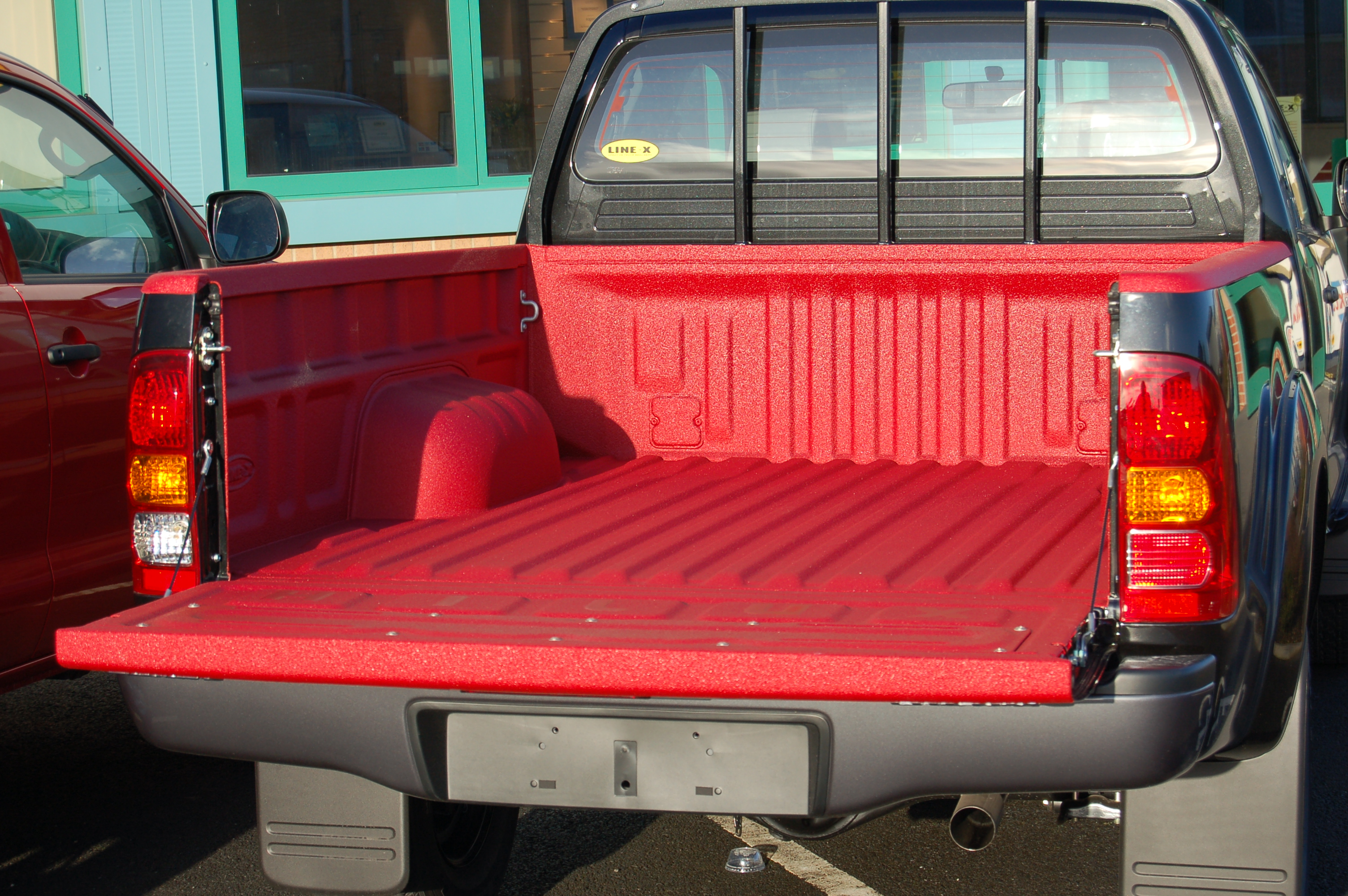 Bed Liner Spray >> Spray-on Pick-up Truck Bedliners from LINE-X
