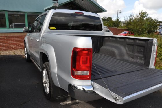 Pickup Truck Bed Liners >> Spray-on Pick-up Truck Bedliners from LINE-X