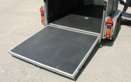 Kůň Box s LINE-X Floor