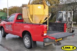Working Toyota HiLux with LINE-X Bedliner