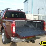 Nissan Navara kanssa LINE-X Spray-on Bed Liner
