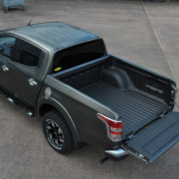 Mitsubishi L200 Bed Liner Application in Warp Speed!